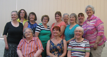 club members with guest. Penny Ashton.
